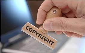 """""""Ξηλώνει"""" τα πνευματικά δικαιώματα συγγραφέων, εκδοτών και δημοσιογράφων η κυβέρνηση"""