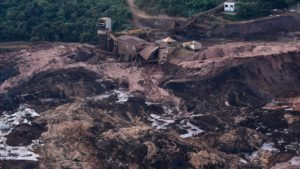 200 άνθρωποι αγνοούνται στη Βραζιλία μετά από κατάρρευση φράγματος μεταλλευτικών αποβλήτων